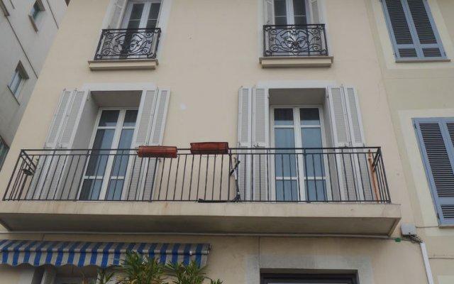 Отель Villa M.Thérèse Promenade Anglais Франция, Ницца - отзывы, цены и фото номеров - забронировать отель Villa M.Thérèse Promenade Anglais онлайн вид на фасад