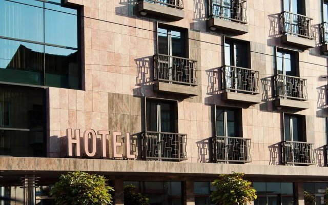 Hotel Budapest София вид на фасад