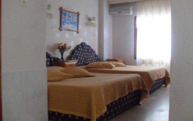 Tolya Hotel комната для гостей