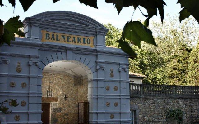Hotel Balneario Parque De Alceda вид на фасад