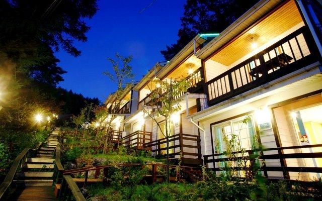 Отель Swiss Pension Южная Корея, Пхёнчан - отзывы, цены и фото номеров - забронировать отель Swiss Pension онлайн вид на фасад