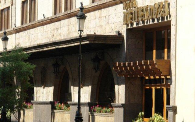 Отель De Mendoza Гвадалахара вид на фасад