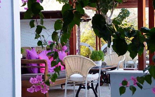 Отель Black Sand Hotel Греция, Остров Санторини - отзывы, цены и фото номеров - забронировать отель Black Sand Hotel онлайн вид на фасад