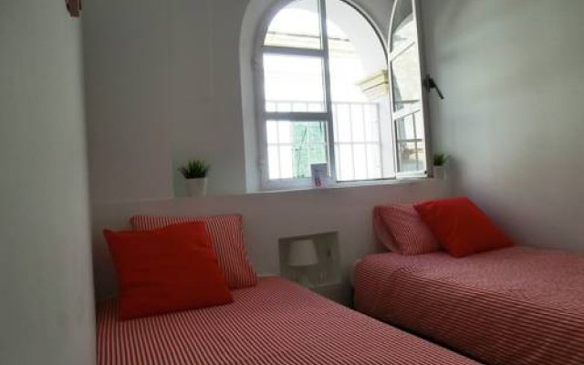 Отель Bed & Breakfast Jerez Испания, Херес-де-ла-Фронтера - отзывы, цены и фото номеров - забронировать отель Bed & Breakfast Jerez онлайн комната для гостей