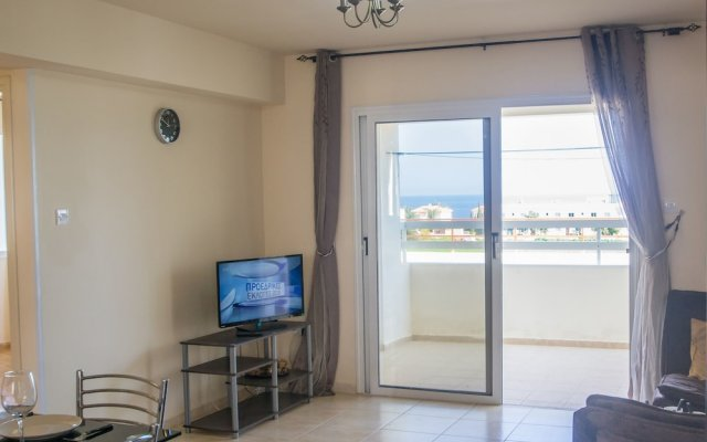 Отель Konnos 2 Bedroom Apartment Кипр, Протарас - отзывы, цены и фото номеров - забронировать отель Konnos 2 Bedroom Apartment онлайн комната для гостей