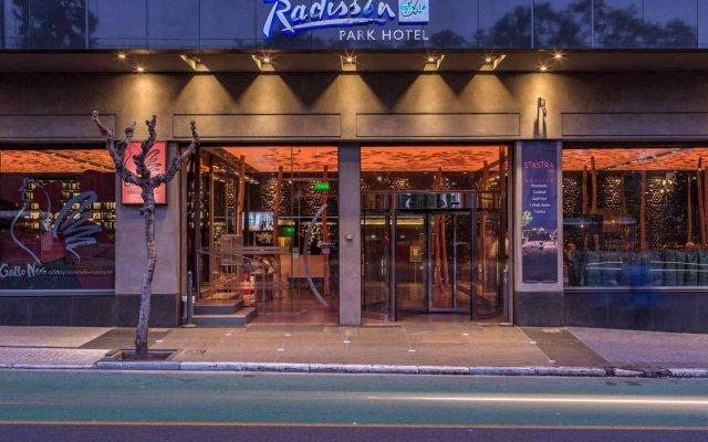 Отель Radisson Blu Park Hotel, Athens Греция, Афины - 1 отзыв об отеле, цены и фото номеров - забронировать отель Radisson Blu Park Hotel, Athens онлайн вид на фасад