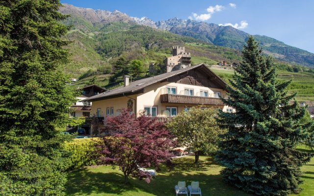 Hotel Weingarten Натурно вид на фасад
