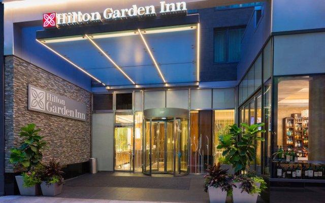 Отель Hilton Garden Inn New York/Central Park South-Midtown West вид на фасад