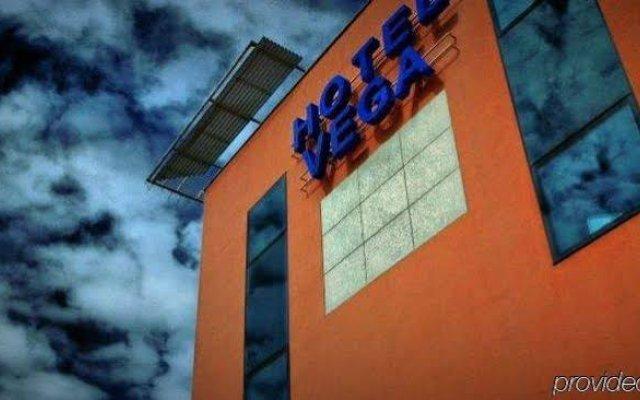 Отель Business Hotel Vega Wroclaw Польша, Вроцлав - отзывы, цены и фото номеров - забронировать отель Business Hotel Vega Wroclaw онлайн вид на фасад
