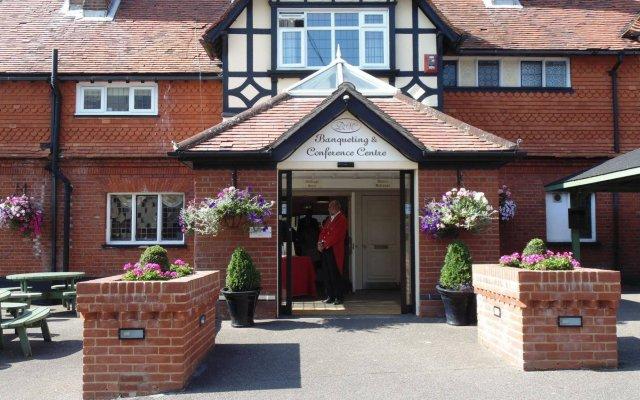 de rougemont manor hotel suites brentwood united kingdom zenhotels rh zenhotels com