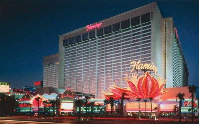 Отель Flamingo Las Vegas - Hotel & Casino США, Лас-Вегас - 11 отзывов об отеле, цены и фото номеров - забронировать отель Flamingo Las Vegas - Hotel & Casino онлайн вид на фасад