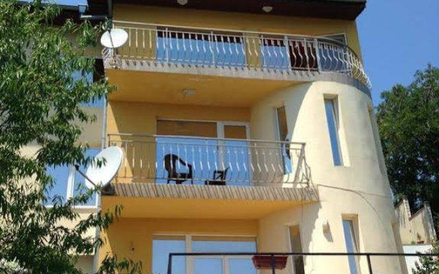 Отель The House Guest House Болгария, Варна - отзывы, цены и фото номеров - забронировать отель The House Guest House онлайн вид на фасад