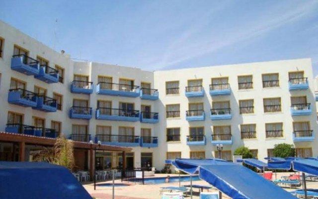 Отель Evalena Beach Hotel Кипр, Протарас - отзывы, цены и фото номеров - забронировать отель Evalena Beach Hotel онлайн бассейн