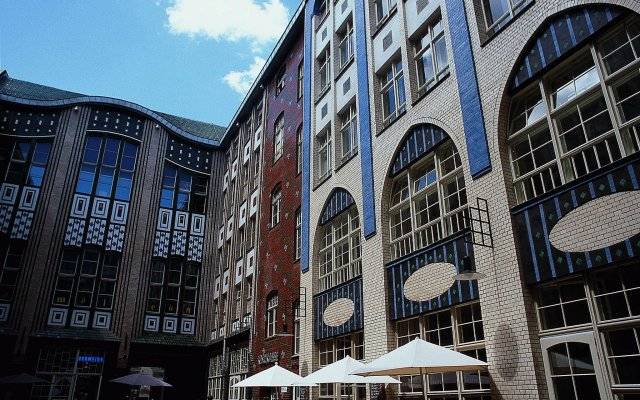 Отель Sofitel Berlin Kurfuerstendamm Германия, Берлин - 2 отзыва об отеле, цены и фото номеров - забронировать отель Sofitel Berlin Kurfuerstendamm онлайн вид на фасад