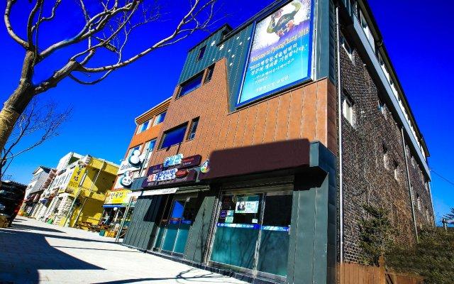 Отель Daegwalnyeong Sanbang Южная Корея, Пхёнчан - отзывы, цены и фото номеров - забронировать отель Daegwalnyeong Sanbang онлайн вид на фасад