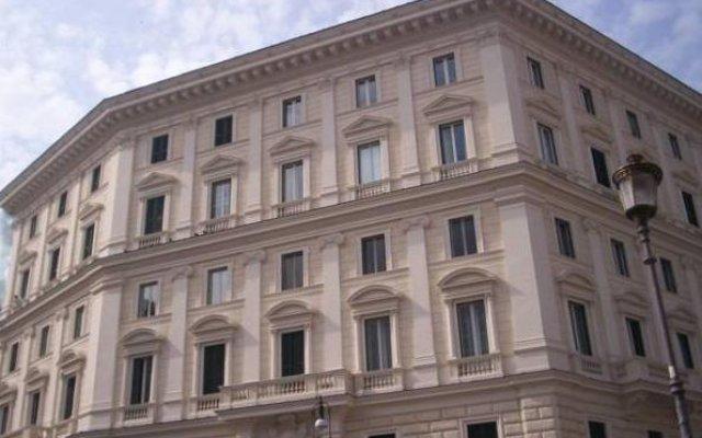 Отель B&B Maggiore Италия, Рим - отзывы, цены и фото номеров - забронировать отель B&B Maggiore онлайн вид на фасад