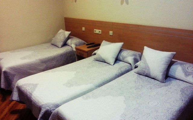 Отель Hostal Avenida комната для гостей