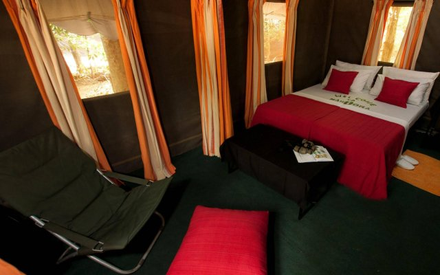 Отель Mahoora Tented Safari Camp All-Inclusive - Yala Шри-Ланка, Катарагама - отзывы, цены и фото номеров - забронировать отель Mahoora Tented Safari Camp All-Inclusive - Yala онлайн комната для гостей