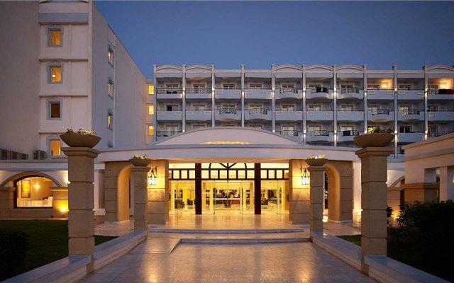 Mitsis Grand Hotel Rhodes вид на фасад