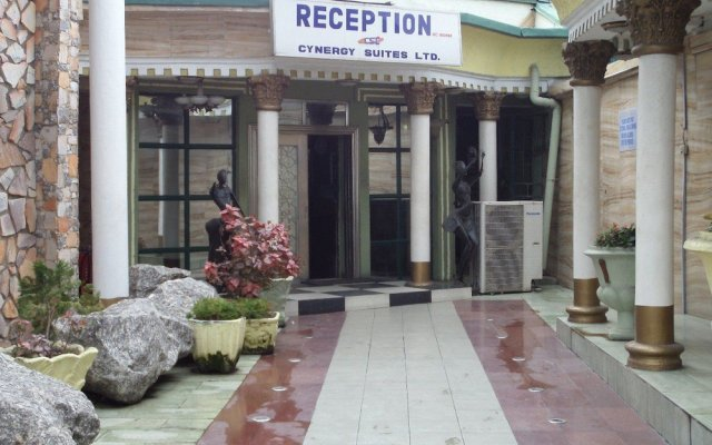 Отель Cynergy Suites Festac Town вид на фасад