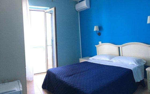 Отель Hannabael Джардини Наксос комната для гостей