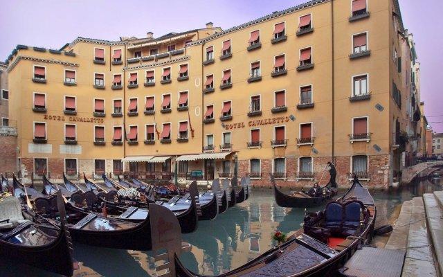 Отель Albergo Cavalletto & Doge Orseolo Италия, Венеция - 13 отзывов об отеле, цены и фото номеров - забронировать отель Albergo Cavalletto & Doge Orseolo онлайн вид на фасад