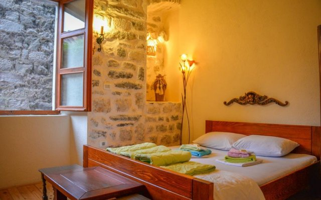 Hostel Old Town Kotor комната для гостей