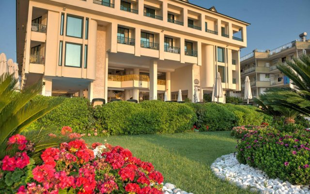 Hotel Golden Lotus - All Inclusive вид на фасад