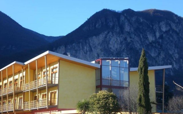 Garda Sporting Club Hotel вид на фасад