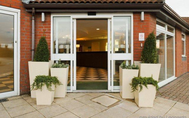 Отель Holiday Inn Manchester West Великобритания, Солфорд - отзывы, цены и фото номеров - забронировать отель Holiday Inn Manchester West онлайн вид на фасад