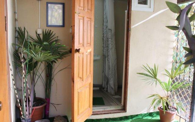 Гостиница Хостел Сочи в Сочи 1 отзыв об отеле, цены и фото номеров - забронировать гостиницу Хостел Сочи онлайн вид на фасад