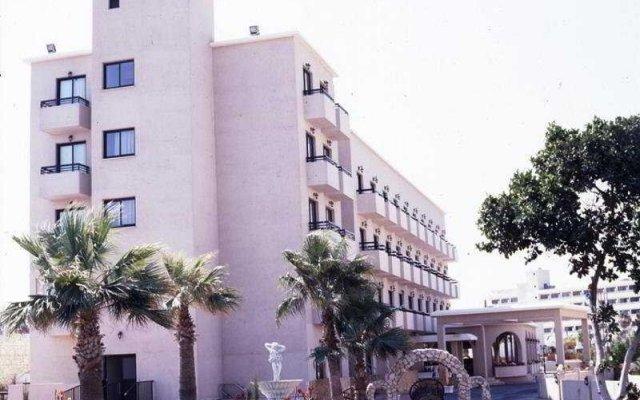 Отель Chrystalla Кипр, Протарас - отзывы, цены и фото номеров - забронировать отель Chrystalla онлайн вид на фасад
