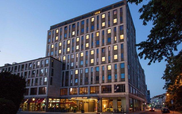 Отель Meliá Düsseldorf вид на фасад