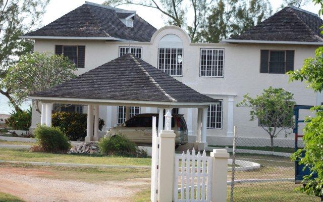 Captain'S Cove Beach Resort & Villas