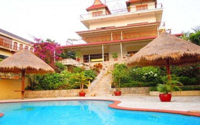 Golden Rooster Resort
