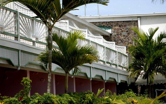 Shaw Park Beach Hotel вид на фасад