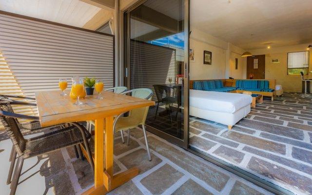 Отель Apollonia Hotel Apartments Греция, Вари-Вула-Вулиагмени - 1 отзыв об отеле, цены и фото номеров - забронировать отель Apollonia Hotel Apartments онлайн вид на фасад