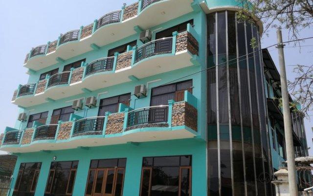 Gold Star Hotel вид на фасад