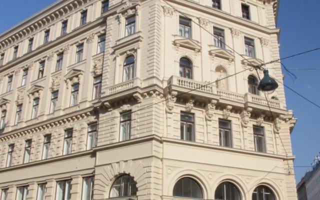 Отель Schweizer Pension Solderer вид на фасад