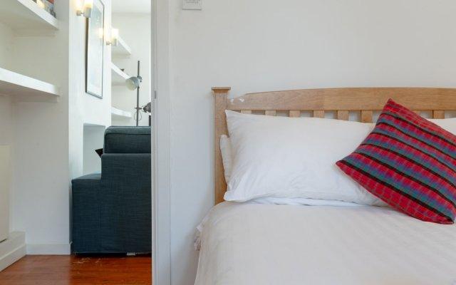 Отель 1 Bedroom Flat in Zone 2 of London комната для гостей