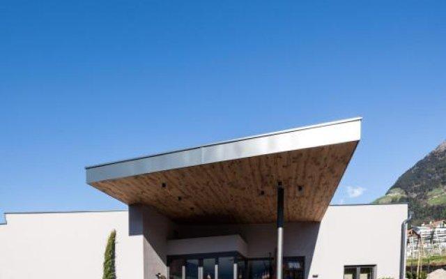 Отель Pension Örtlerhof Тироло вид на фасад