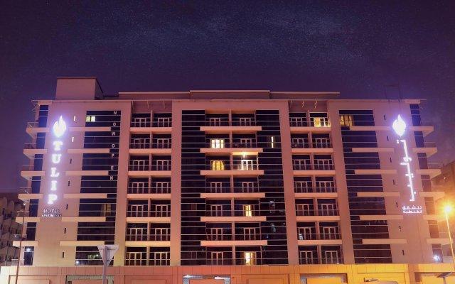 Tulip Hotel Apartments вид на фасад