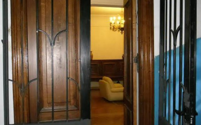 Отель Elena Hostel Грузия, Тбилиси - 2 отзыва об отеле, цены и фото номеров - забронировать отель Elena Hostel онлайн вид на фасад