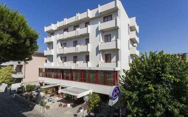 Hotel Nobel Римини вид на фасад