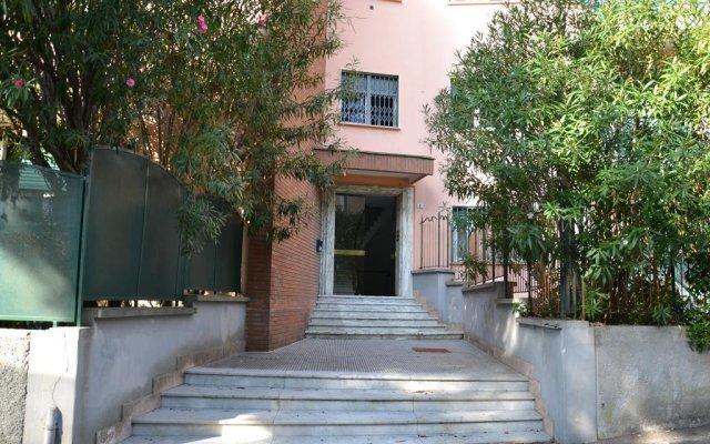 Отель Il Mare Sotto Al Cuscino Генуя вид на фасад