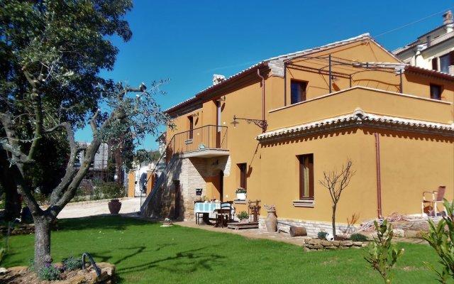 Отель Casa la Concia Потенца-Пичена вид на фасад