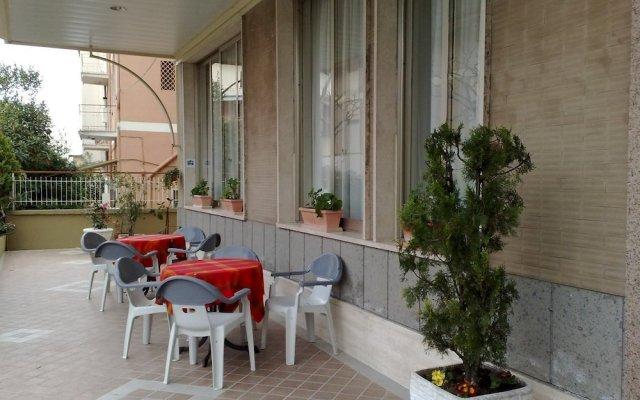 Hotel Fleming Фьюджи вид на фасад