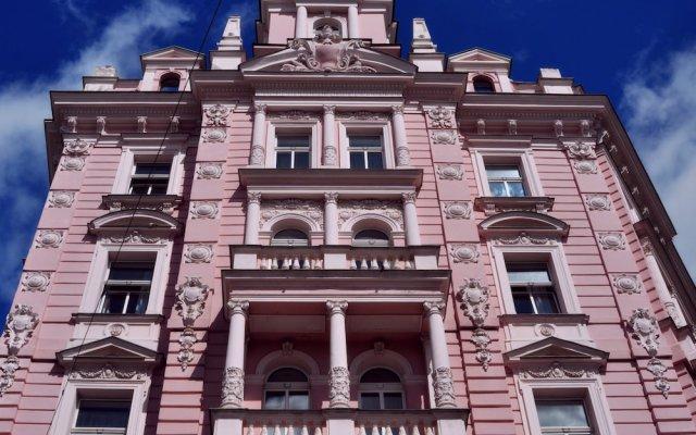 Отель Opera Чехия, Прага - 10 отзывов об отеле, цены и фото номеров - забронировать отель Opera онлайн вид на фасад