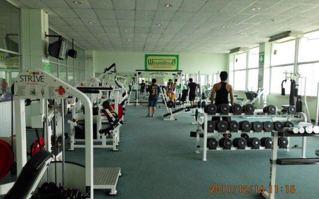 Отель Phranakorn Grand View Бангкок фитнесс-зал