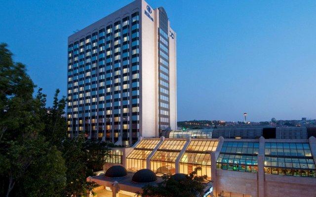 Отель Ankara Hilton вид на фасад
